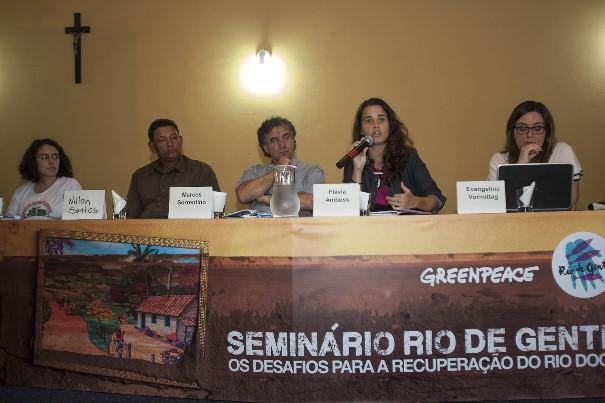 Painel discute impactos sociais sobre os atingidos Fotos: Julia Moraes / Greenpeace